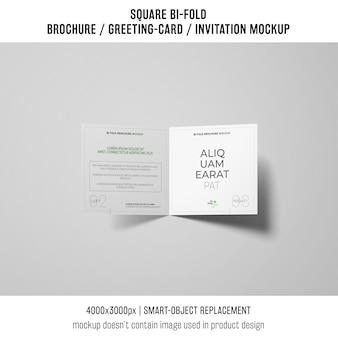 Kwadratowy bi-fold broszura lub makieta z życzeniami