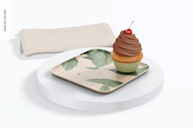 Kwadratowy talerz deserowy z makietą babeczki