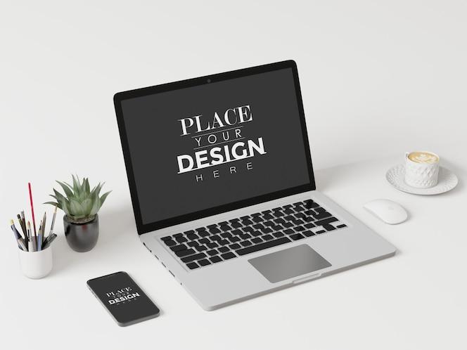 Laptop na biurku w miejscu pracy makieta psd