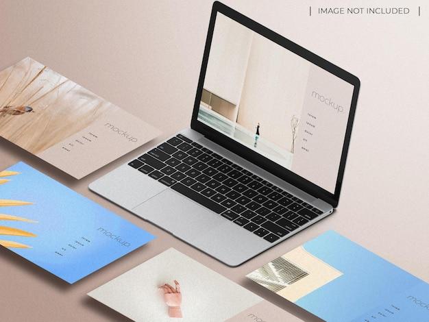 Laptop z wieloma ekranami prezentacja strony internetowej makieta widok izometryczny na białym tle