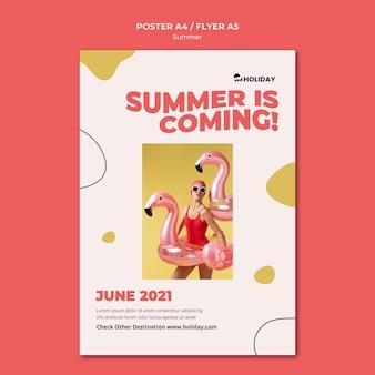 Lato nadchodzi szablon plakatu