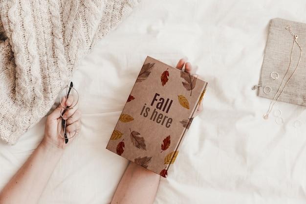 Literatura i jesienna makieta