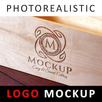 Logo mock up - grawerowane logo laserowe cięcie drewna