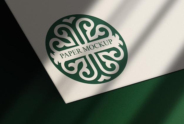 Luksusowa zielona wytłaczana makieta z zielonym tłem
