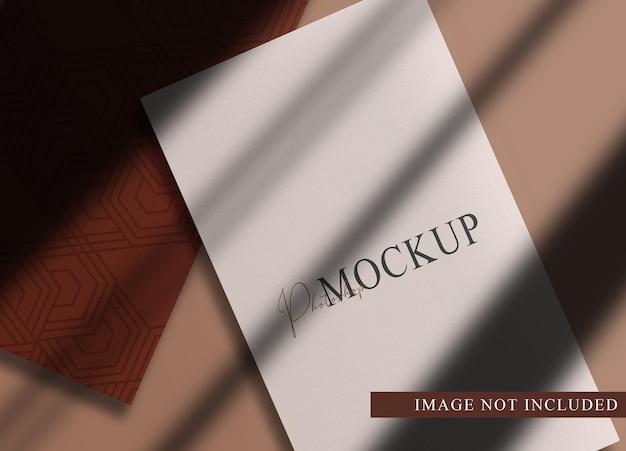 Luksusowe puste papiery widok perspektywiczny makieta