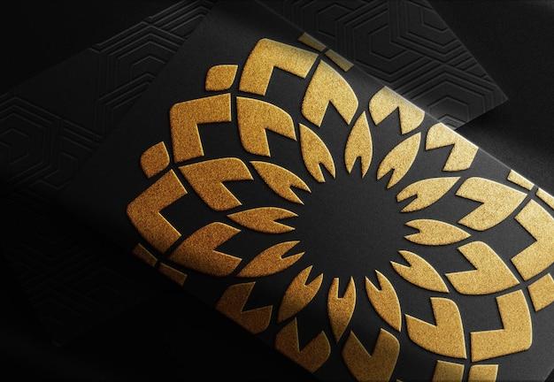 Luksusowe zbliżenie złote wytłoczone logo makieta stos wizytówek prespektywa