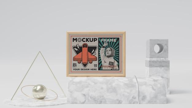 Makieta abstrakcyjnej ramki i przedmiotów