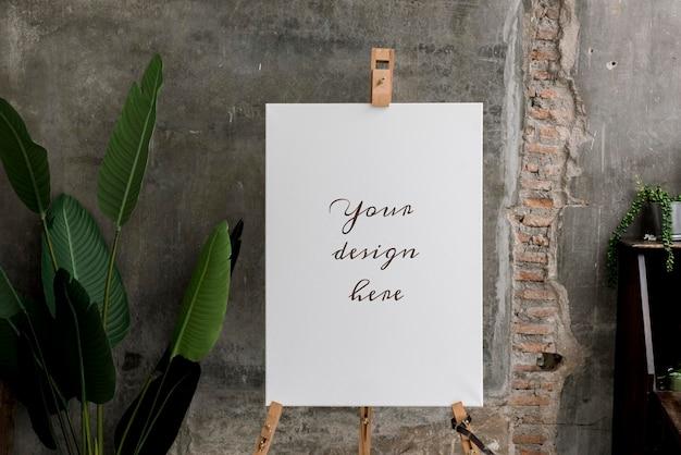 Makieta białej tablicy na stojaku