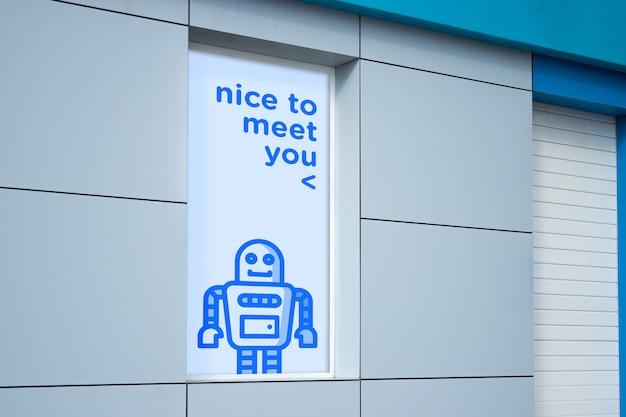 Makieta billboardu na oknie sklepu