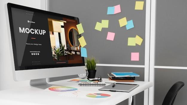 Makieta biurka z komputerem