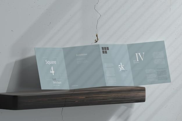 Makieta broszury kwadratowej czterokrotnie