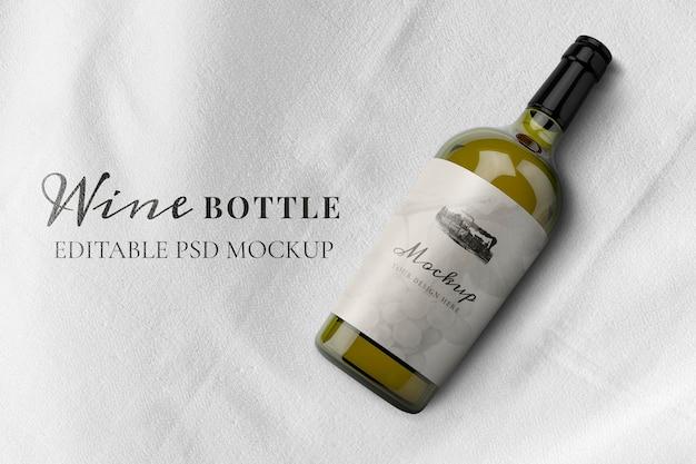 Makieta butelki wina psd, edytowalny elegancki design
