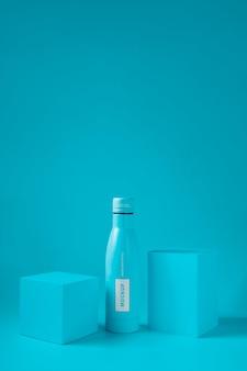 Makieta butelki z kroplą wody