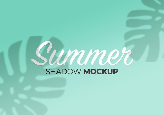 Makieta cienia letnich liści monstery na ścianie
