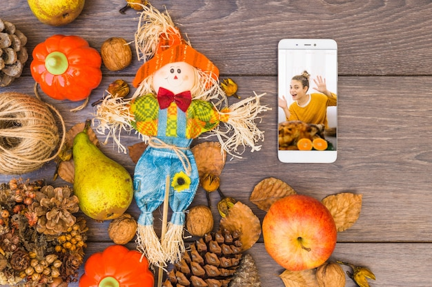 Makieta dziękczynienia ze smartfonem