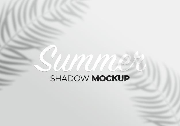 Makieta efektu szarej nakładki przezroczystych cieni z liśćmi palmowymi