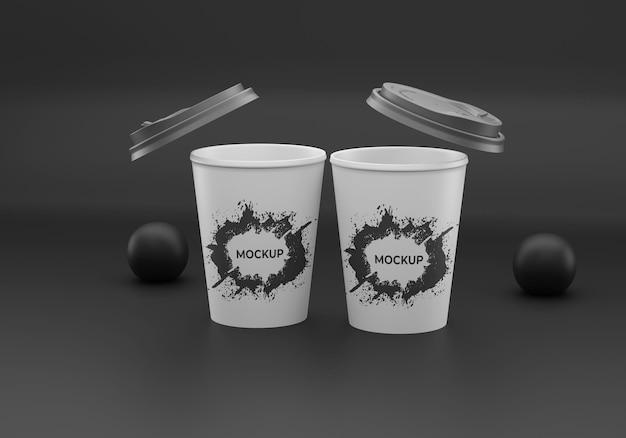 Makieta jednorazowego czarnego kubka kawy