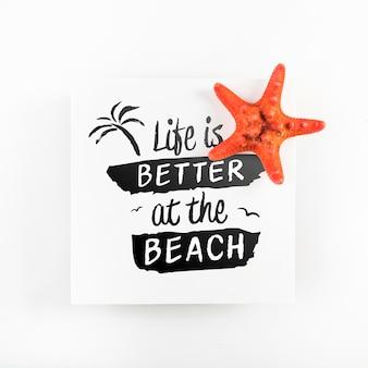 Makieta karty z koncepcją tropikalne lato z rozgwiazdy