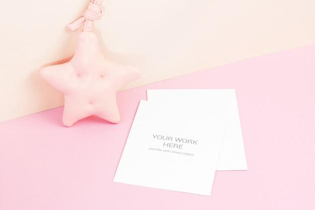 Makieta karty z różową gwiazdą