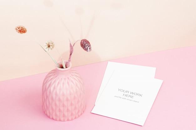 Makieta karty z różową miską