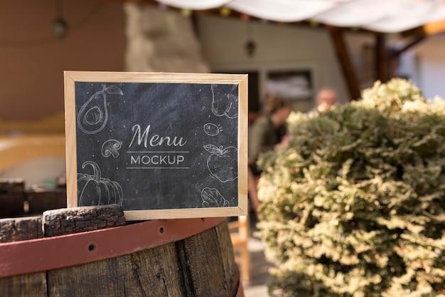 Makieta koncepcji menu jedzenie na świeżym powietrzu