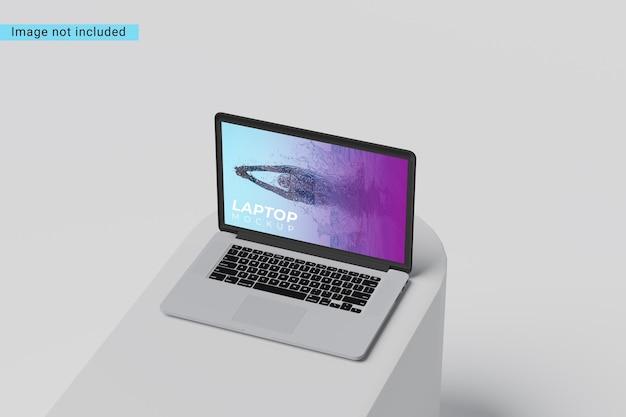 Makieta laptopa na projekt kostki na białym tle