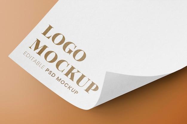Makieta logo firmy, złoty profesjonalny projekt psd na papierze