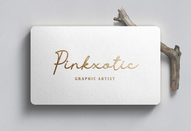 Makieta logo na białej wizytówce