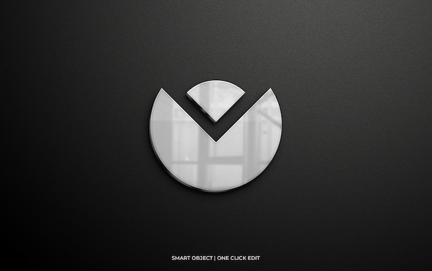 Makieta logo na ścianie ze srebrnym odbiciem