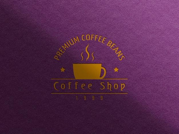 Makieta logo wizytówki kawy z efektem wytłoczenia i wytłoczenia