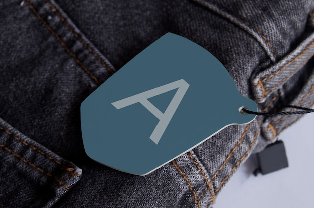 Makieta logo z zawieszką do dżinsów