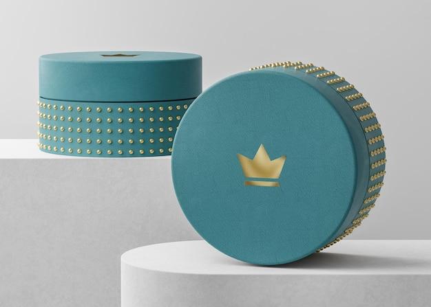 Makieta luksusowego logo na niebieskim pudełku z biżuterią do renderowania 3d tożsamości marki