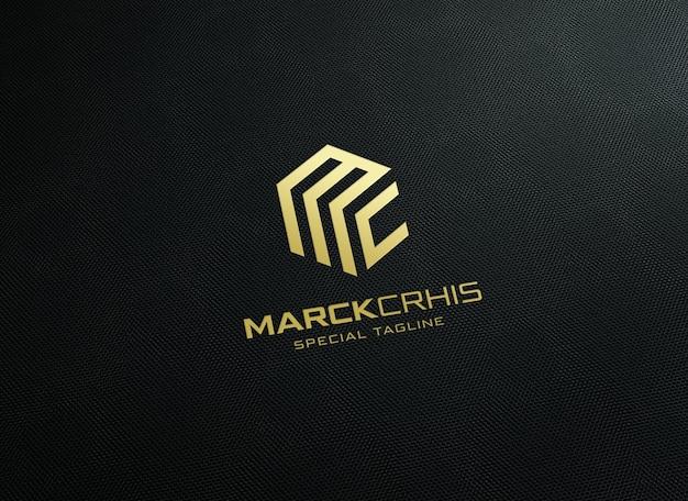 Makieta luksusowego logo na teksturowanym detalu