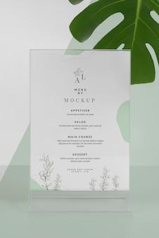 Makieta menu z liściem monstery