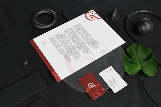 Makieta na wizytówkę z dokumentem i papeterią