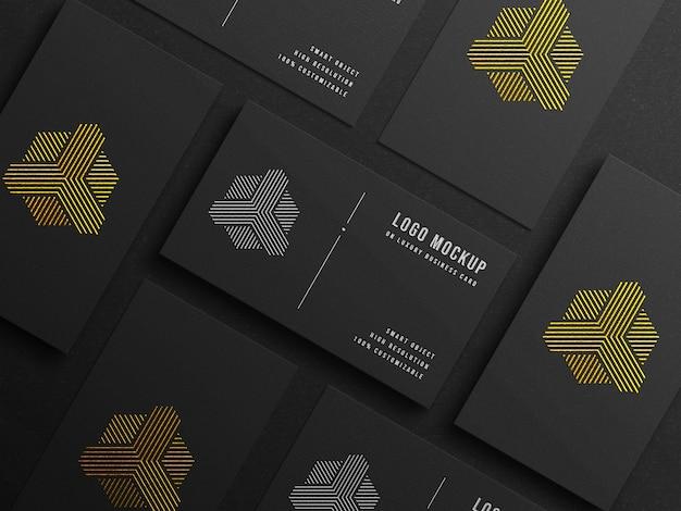 Makieta nowoczesnego logo na luksusowej wizytówce