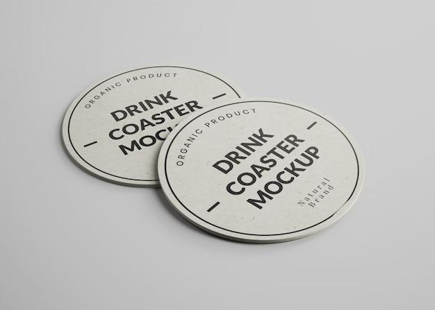 Makieta okrągłych podstawek do napojów papierowych w widoku izometrycznym