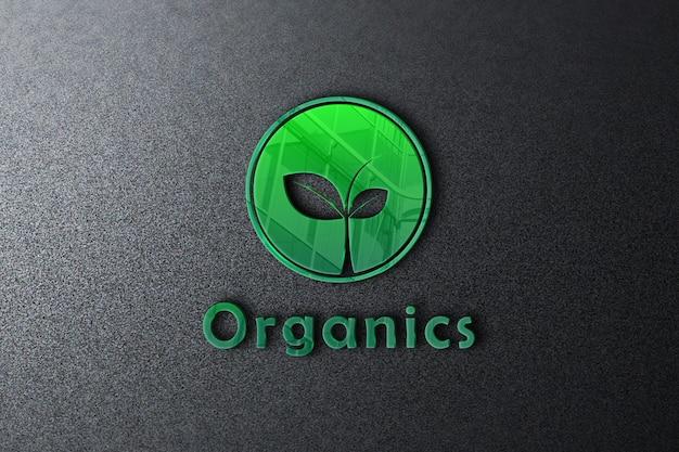 Makieta organicznego logo na ścianie z błyszczącym efektem