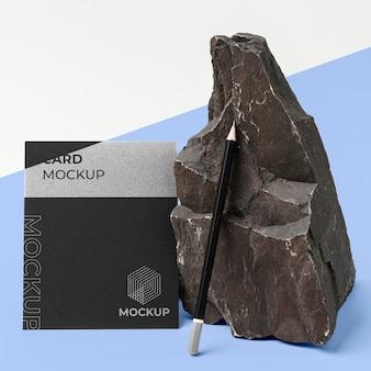 Makieta papeterii z ciemnym kamieniem