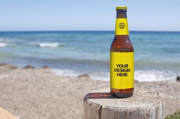 Makieta piwa na plaży crashboat