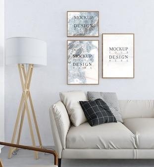Makieta plakat w nowoczesnym białym salonie z sofą