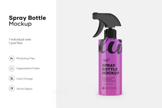 Makieta plastikowej butelki z rozpylaczem na białym tle