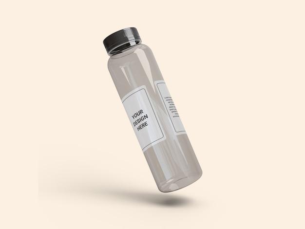 Makieta przezroczystej wąskiej plastikowej butelki na sok