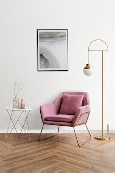 Makieta ramki na zdjęcia psd przy różowym aksamitnym fotelu