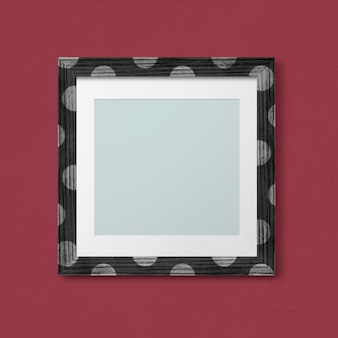 Makieta ramki na zdjęcia w kropki