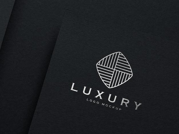 Makieta realistyczne wytłoczone srebrne logo
