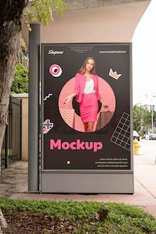 Makieta reklamowa na zewnątrz