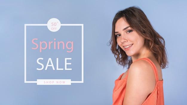 Makieta sprzedaż wiosna ze stylową kobietą