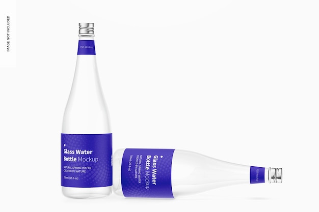Makieta szklanej butelki wody, upuszczona