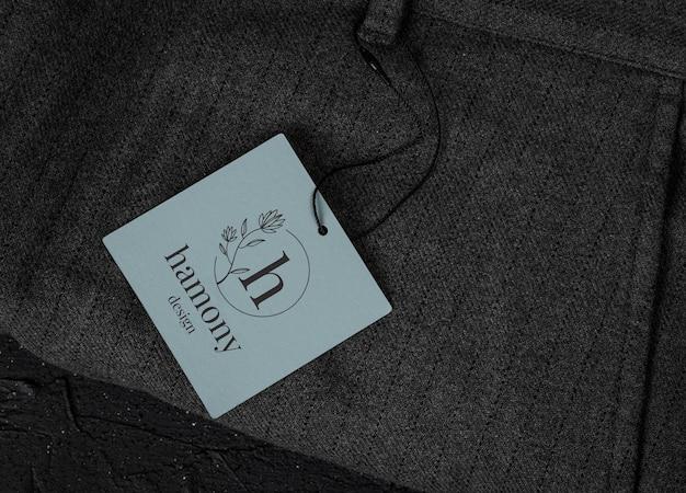 Makieta tagu etykiety na białym tle